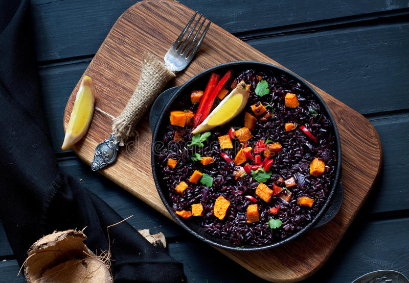 Paella negra del arroz foto de archivo libre de regalías