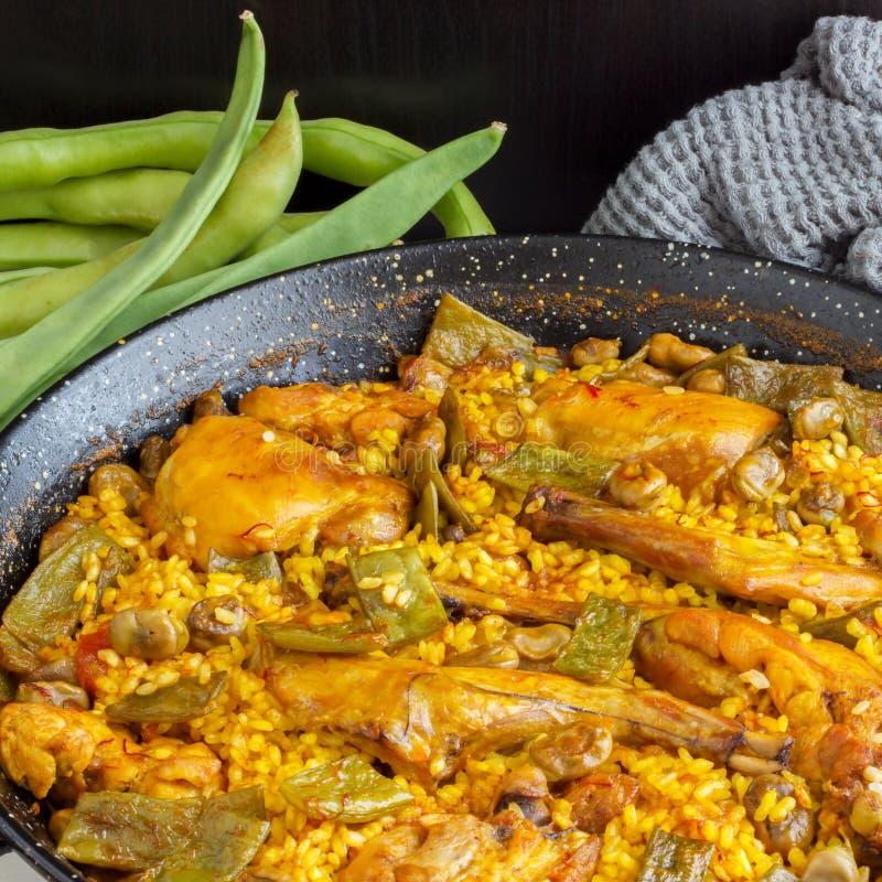 Paella Valenciana - alimento espanhol imagens de stock royalty free
