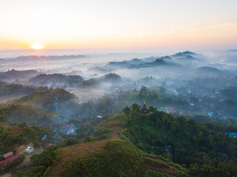 Paesaggi bellissimi a Mrauk U, Stato di Rakhine, Myanmar fotografie stock libere da diritti