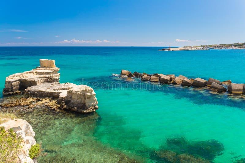 Paesaggi costieri stupefacenti della citt di otranto for Citta da visitare in puglia