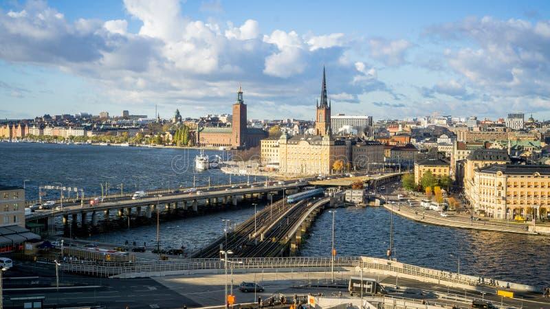 Paesaggi urbani di Stoccolma, Svezia con la vista di Gamla Stan fotografie stock libere da diritti