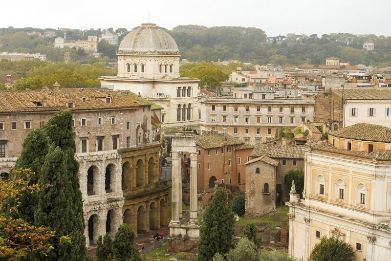 Paesaggi urbani storici di Roma magnifica fotografia stock