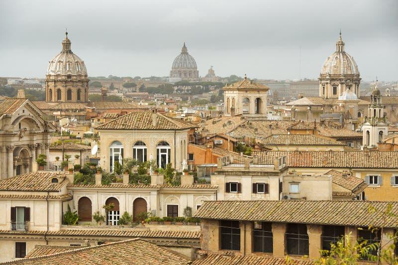 Paesaggi urbani storici di Roma magnifica immagine stock libera da diritti