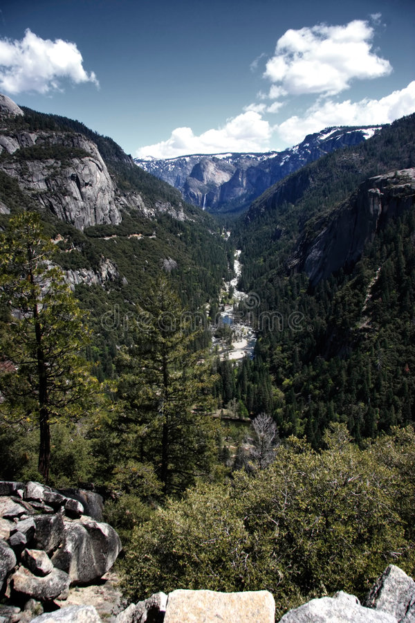 Paesaggio alla sosta nazionale del Yosemite fotografia stock libera da diritti