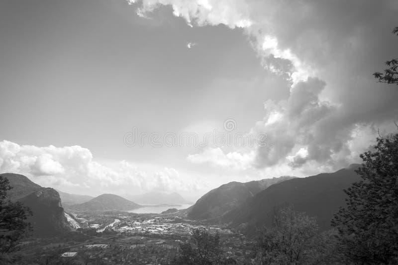 Paesaggio in bianco e nero Gravellona Toce immagine stock libera da diritti