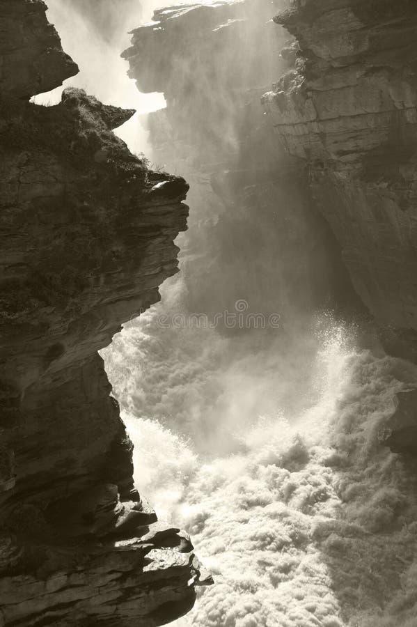 Paesaggio canadese nelle cadute di Athabasca alberta fotografia stock libera da diritti