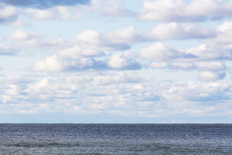 Paesaggio Cieli blu e nube bianche Giorno di sole Cumulus cloud fotografia stock