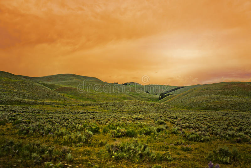 Paesaggio - cielo Pianta-Montagna-variopinto fotografia stock