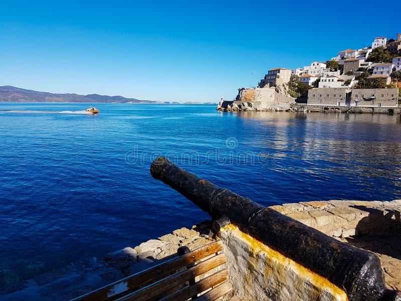 Paesaggio con il porto della hydra, isola della Grecia fotografia stock