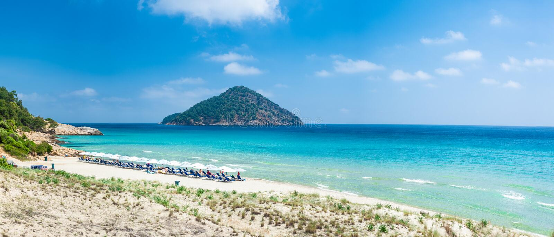 Paesaggio con la spiaggia di Paradise immagini stock libere da diritti