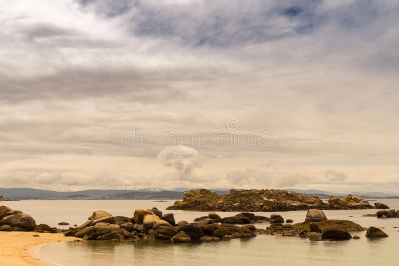 Paesaggio in corozo sotto le nuvole fotografie stock