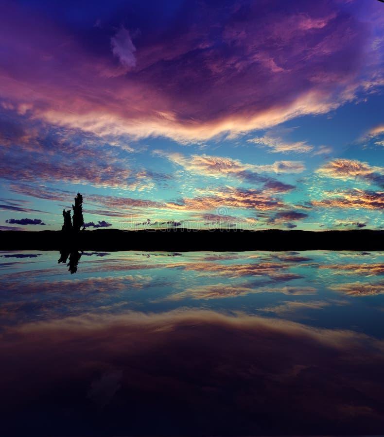 Paesaggio crepuscolare fotografia stock libera da diritti