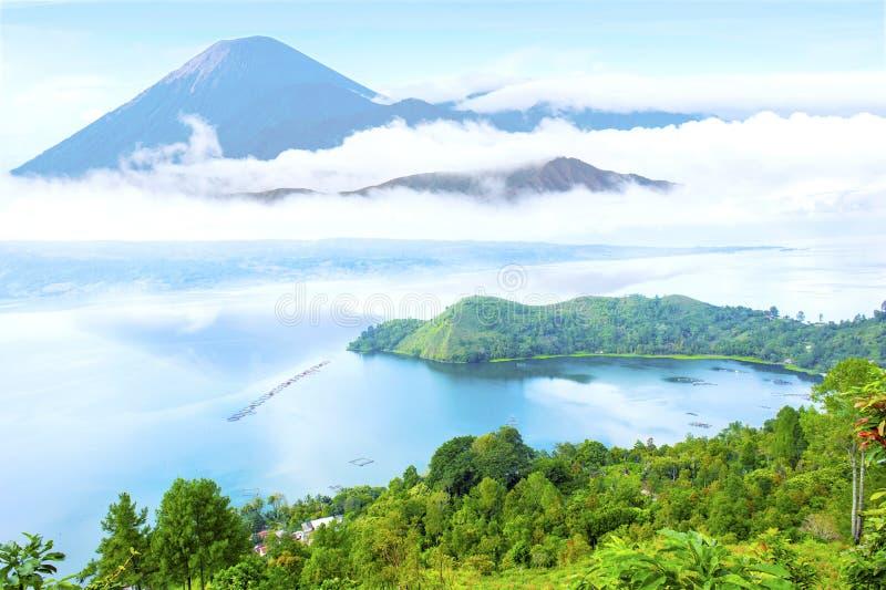 Paesaggio del lago Danau toba fotografia stock libera da diritti