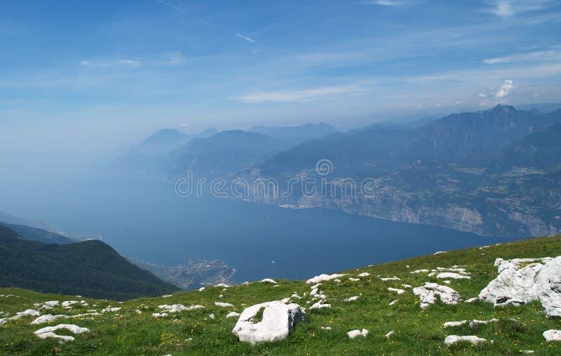 Paesaggio del lago Garda immagini stock