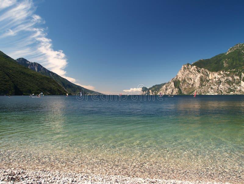 Paesaggio del lago Garda immagini stock libere da diritti