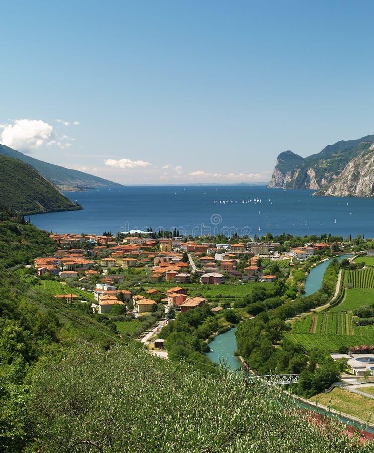 Paesaggio del lago Garda fotografia stock libera da diritti