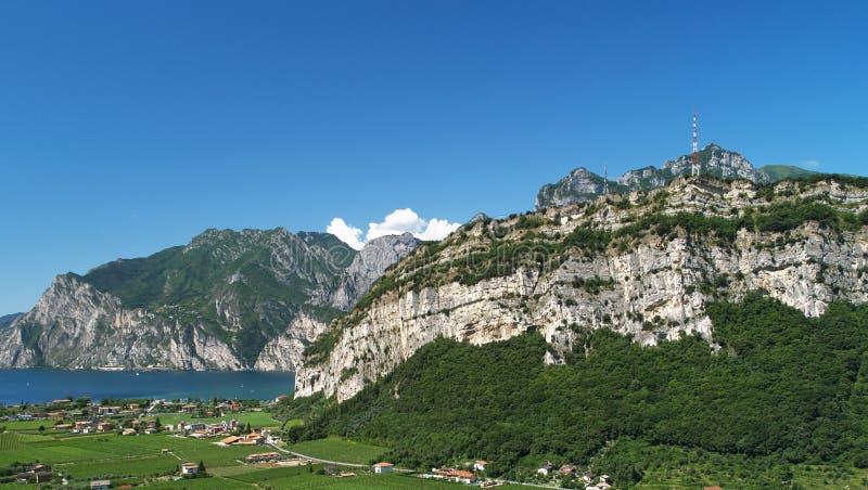 Paesaggio del lago Garda fotografia stock