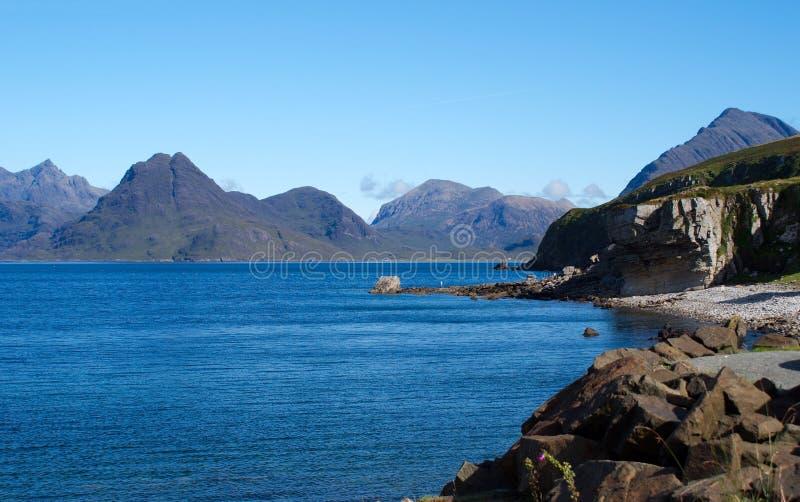 Paesaggio del mare dell'isola di Skye fotografie stock libere da diritti