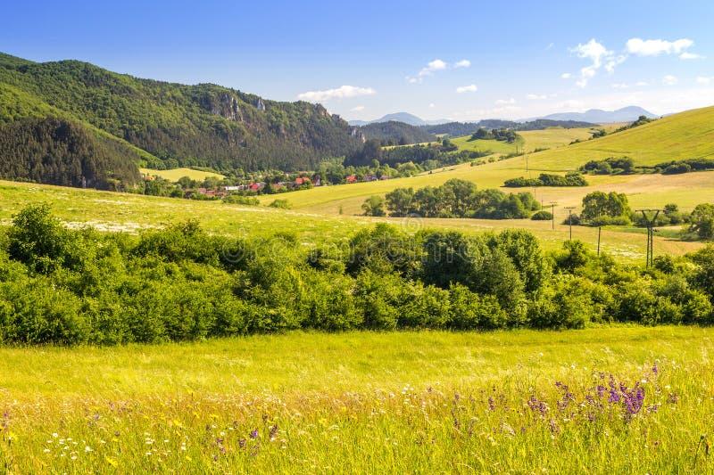 Paesaggio del paese in Slovacchia del Nord fotografia stock libera da diritti