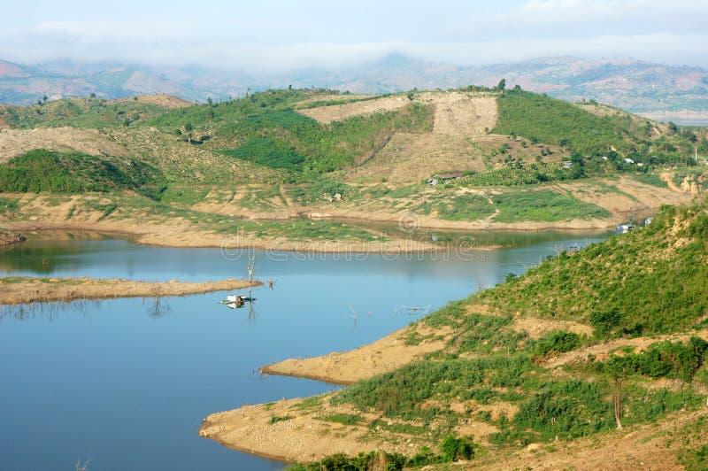 Paesaggio del Vietnam, montagna, collina nuda, disboscamento immagini stock libere da diritti