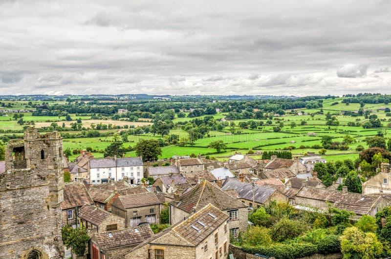 Paesaggio del villaggio intorno al castello di Middleham immagine stock libera da diritti