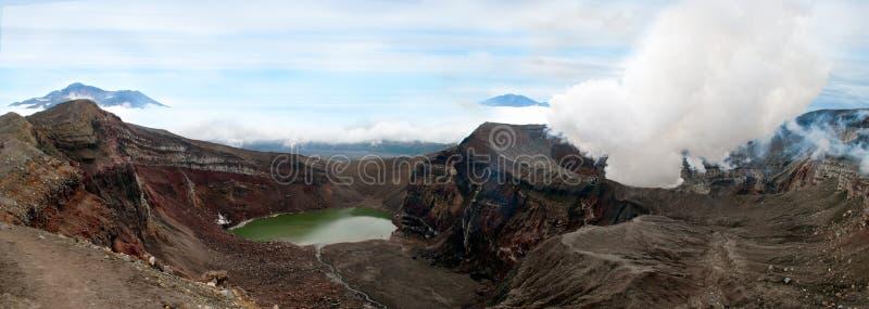 Paesaggio del vulcano attivo Gorely su Kamchatka immagini stock