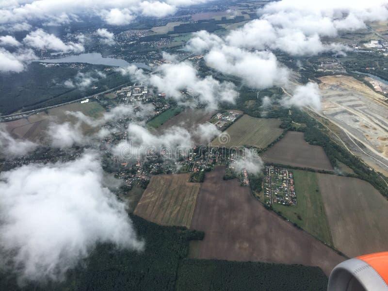 Paesaggio dell'aereo delle nuvole del cielo all'aperto immagini stock libere da diritti