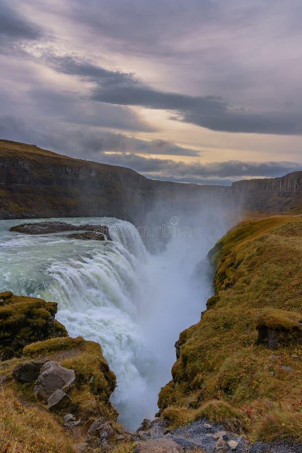 Paesaggio dell'islandese di Gullfoss Waterfal fotografia stock libera da diritti
