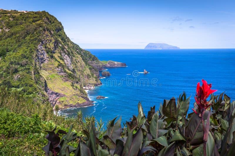 Paesaggio dell'isola del Flores Le Azzorre, Portogallo fotografia stock libera da diritti