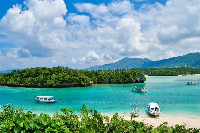 Paesaggio della baia di Kabira fotografia stock libera da diritti