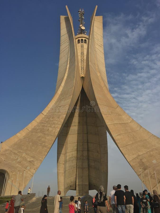 Paesaggio della città di Algeri dal monumento di Maqam Echahid Algeri è la città capitale e più grande dell'Algeria Nel 2016 il p immagini stock libere da diritti