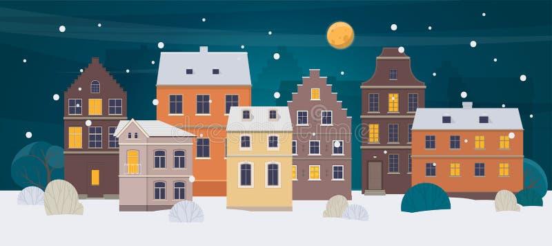 Paesaggio della città di inverno Vecchia città con differenti case alla notte royalty illustrazione gratis