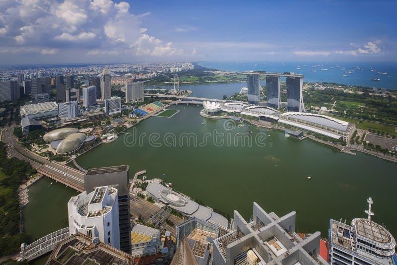Paesaggio della città e del porto di Singapore fotografia stock