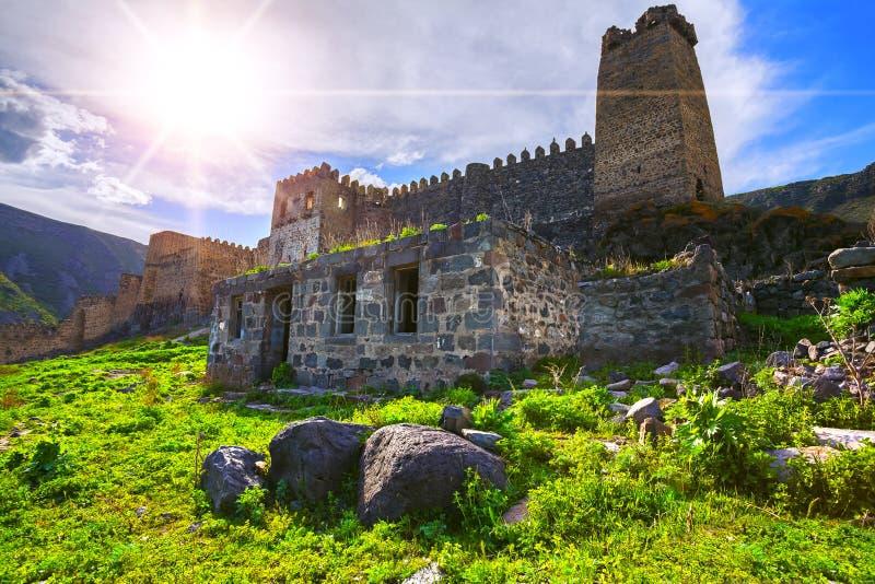 Paesaggio della fortezza medievale di Khertvisi & x28; Georgia& x29; immagine stock
