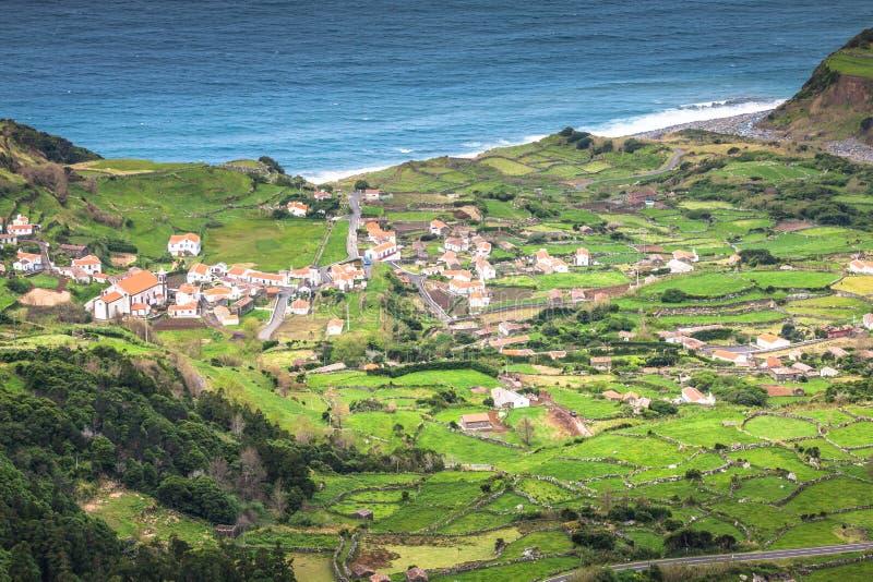 Paesaggio della linea costiera delle Azzorre in Faja grande, isola del Flores Portug immagini stock libere da diritti