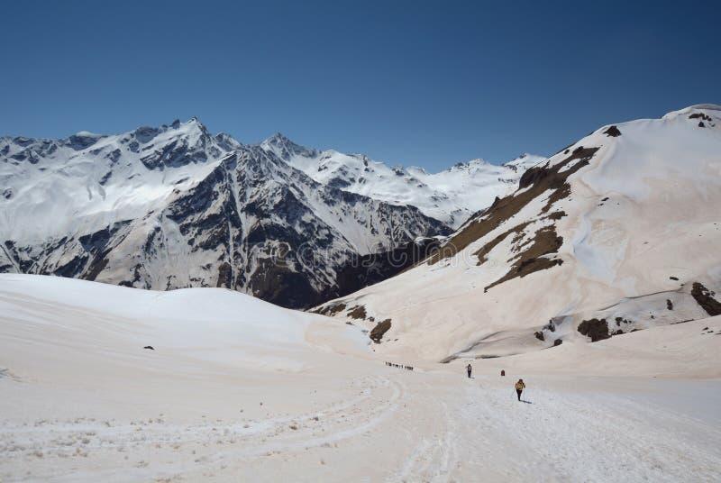 Paesaggio della montagna del Caucaso del nord fotografie stock libere da diritti