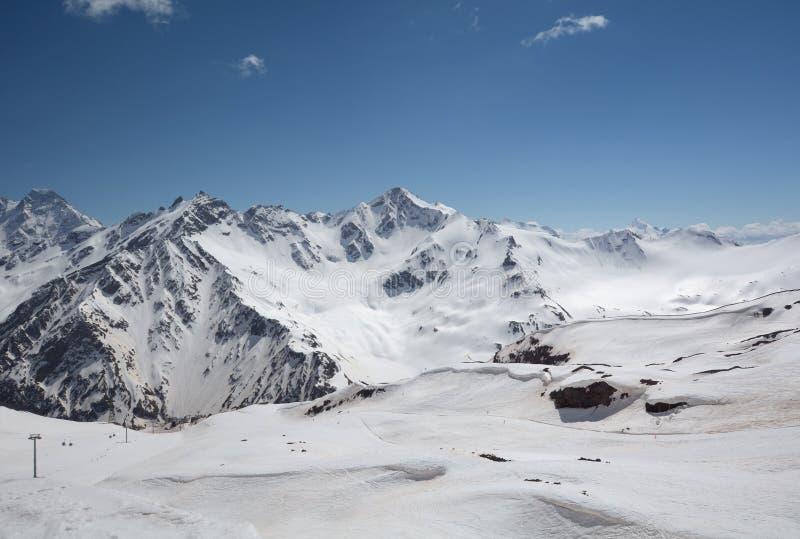 Paesaggio della montagna del Caucaso del nord immagini stock libere da diritti