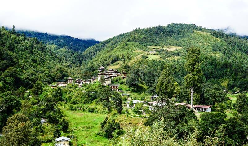Paesaggio della montagna nel Bhutan fotografie stock libere da diritti
