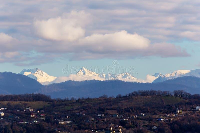 Paesaggio della montagna nel Caucaso immagine stock libera da diritti