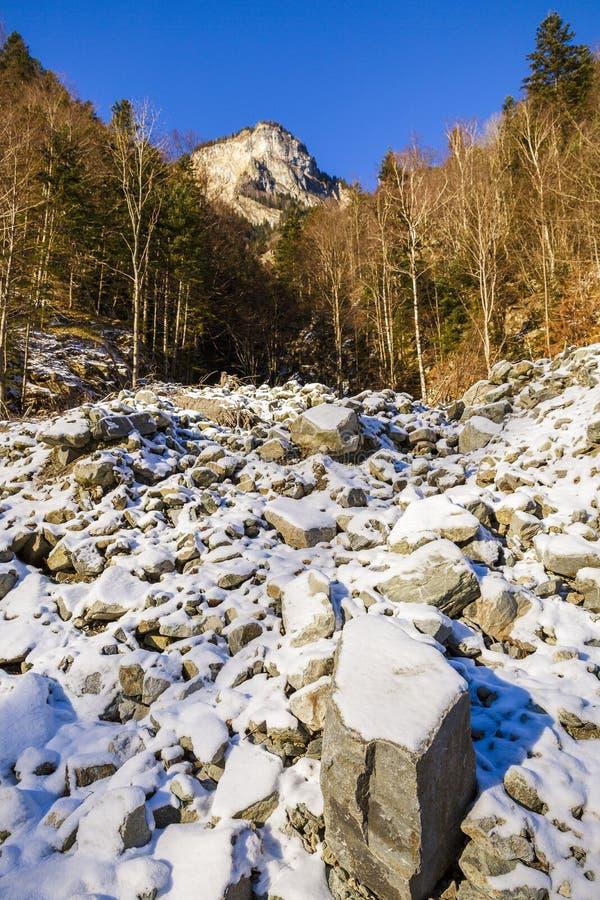 Paesaggio della montagna rocciosa fotografia stock libera da diritti