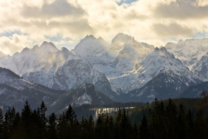 Paesaggio della montagna, Tatry, Polonia fotografie stock