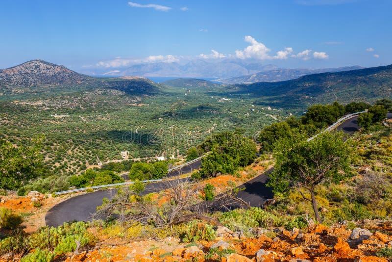 Paesaggio della montagna vicino al villaggio di Kritsa immagini stock