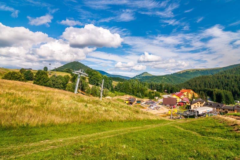 Paesaggio della primavera, area di Donovaly, Slovacchia fotografie stock libere da diritti