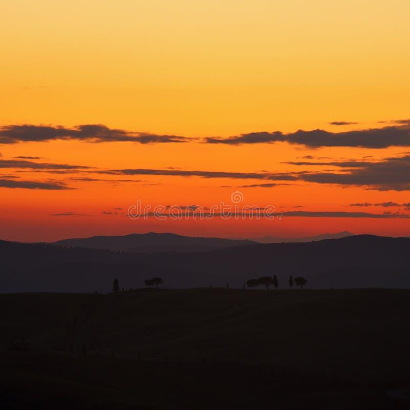 Paesaggio della Toscana al tramonto immagine stock libera da diritti