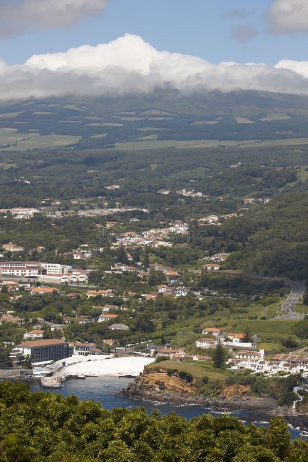 Paesaggio delle Azzorre Angra fa Heroismo e Santa Barbara Peak Terc fotografie stock