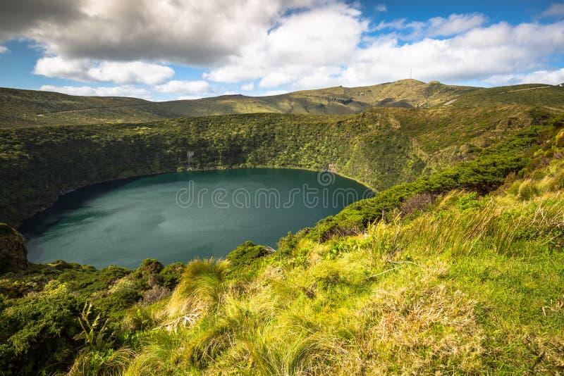 Paesaggio delle Azzorre nell'isola del Flores Cascate in Pozo da Alagoin fotografia stock