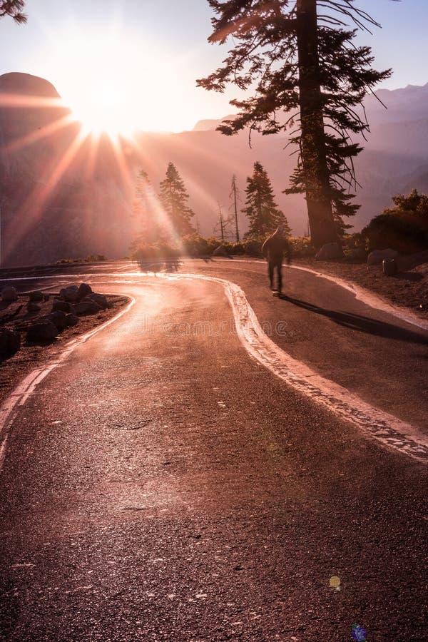Paesaggio delle montagne di Yosemite di tramonto di alba fotografia stock