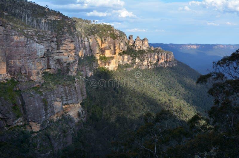 Paesaggio delle tre sorelle formazione rocciosa nel Mounta blu immagini stock libere da diritti