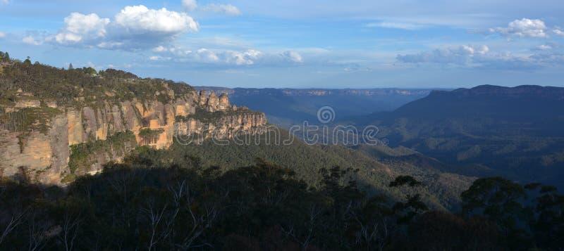 Paesaggio delle tre sorelle formazione rocciosa nel Mounta blu fotografia stock