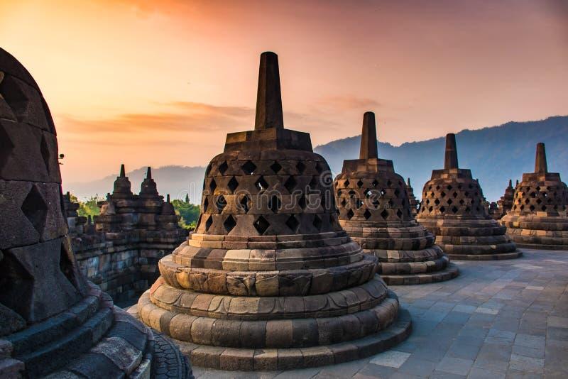 Paesaggio di alba del tempio buddista Borobudur complesso, Yogyakarta, Jawa, Indonesia immagini stock
